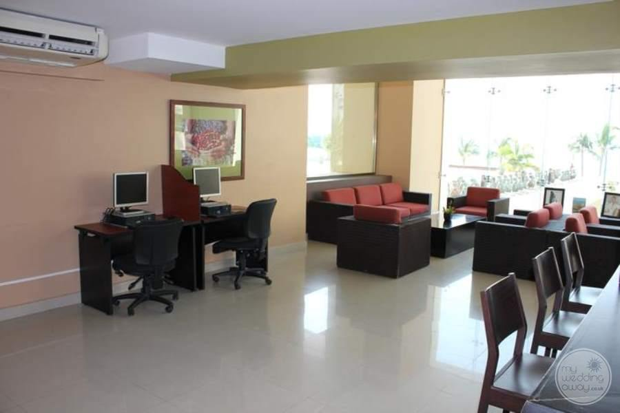 Dreams Huatulco Internet Cafe