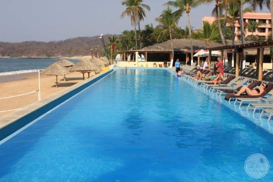 Dreams Huatulco North View Beach Pool