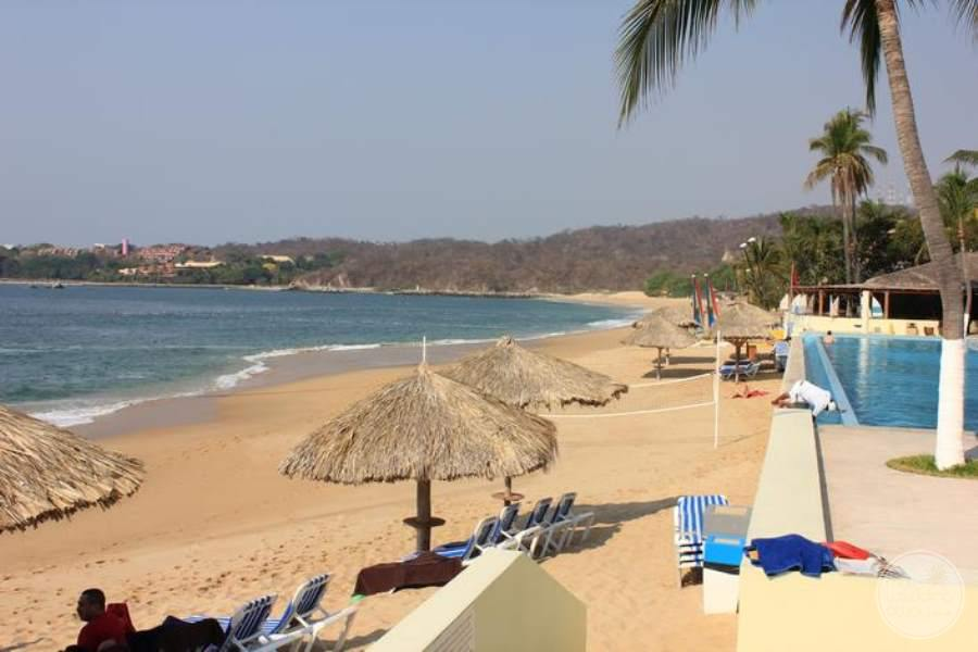 Dreams Huatulco North View of Beach