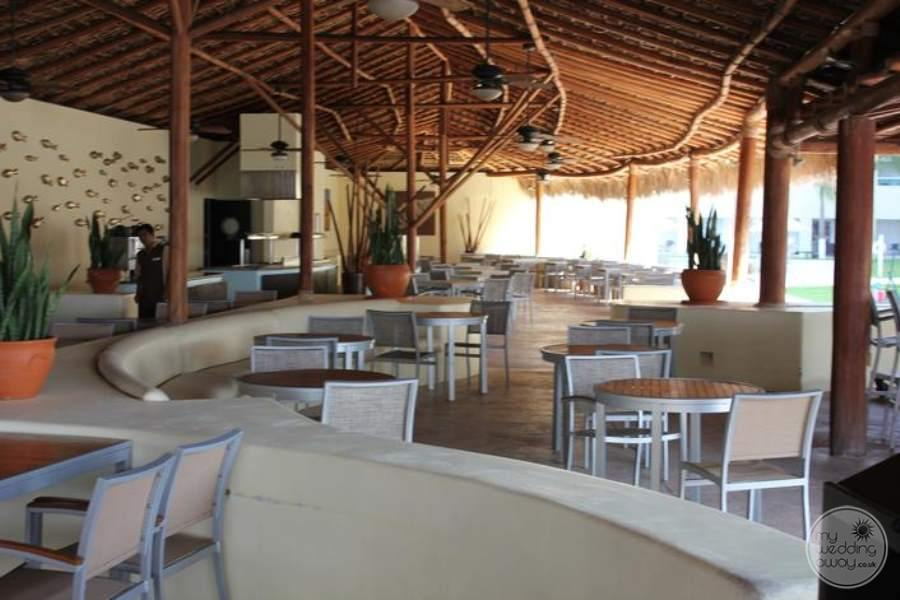 Dreams Huatulco Seaside Grill 2
