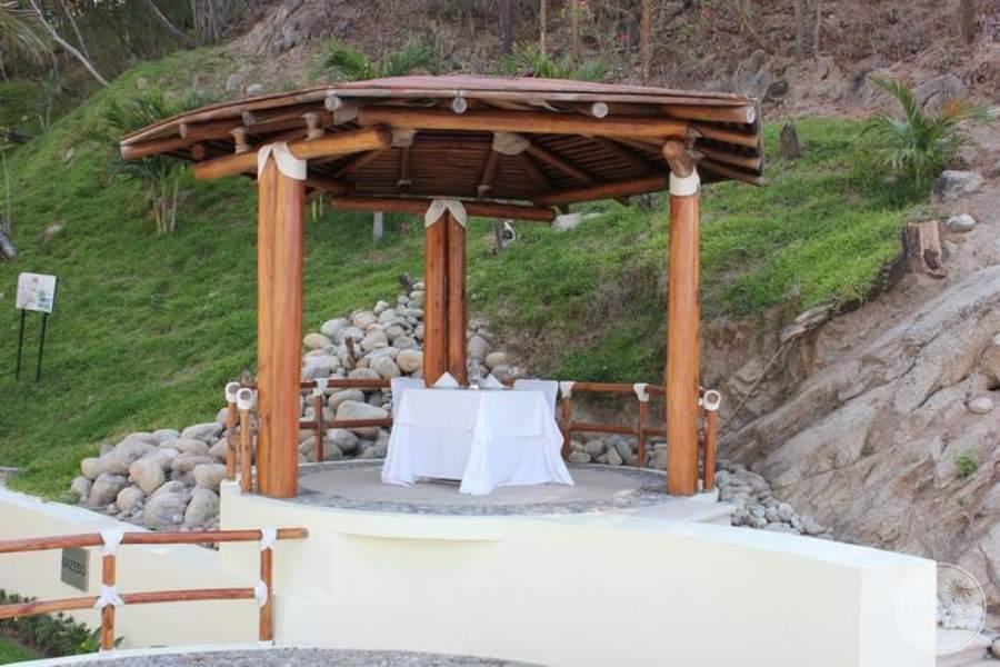 Dreams Huatulco Wedding Gazebo