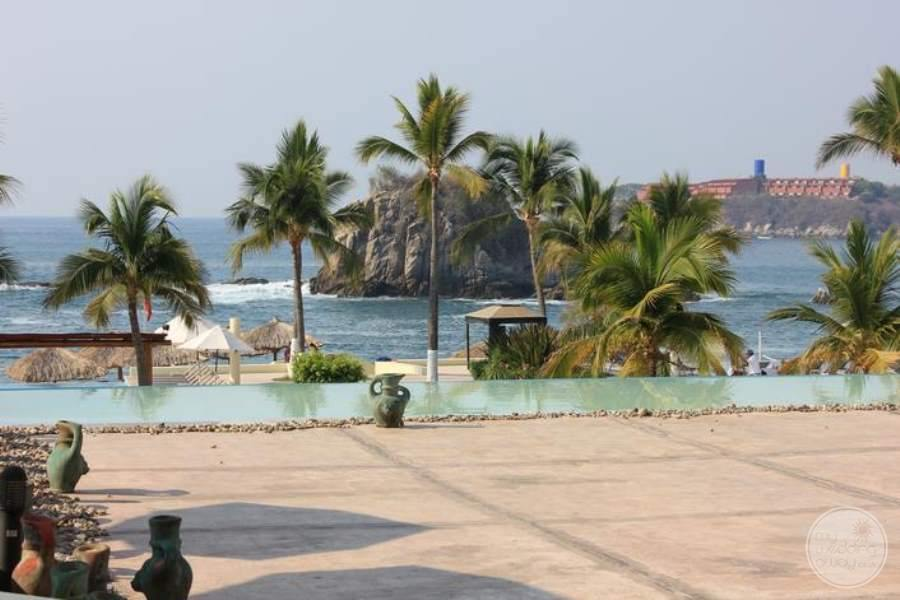 Dreams Huatulco to Beach