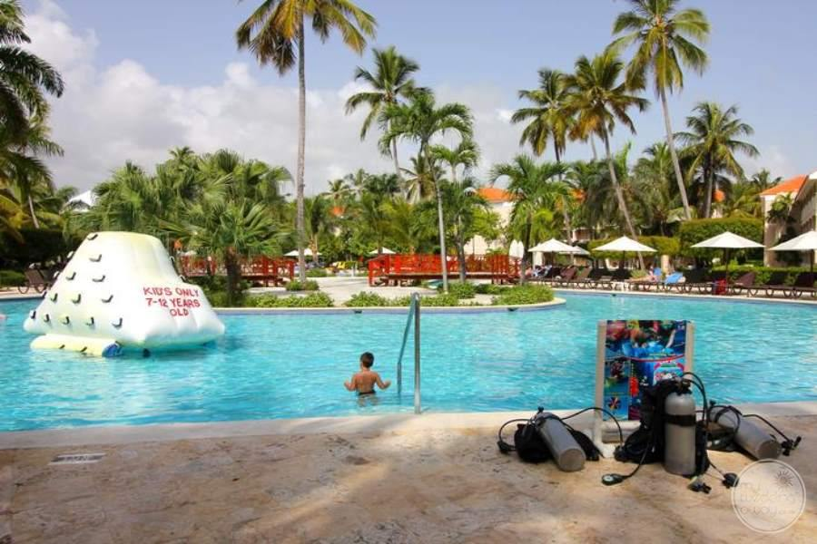 Dreams Palm Beach Pool Activities