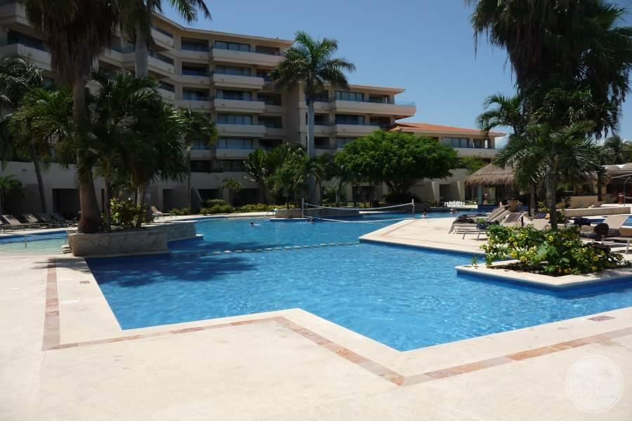 Dreams Puerto Aventuras Pool 2