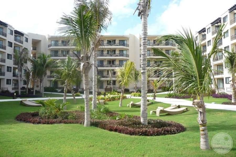 Dreams Riviera Cancun Grounds