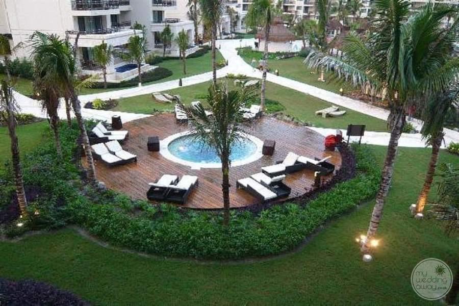 Dreams Riviera Cancun Main Jacuzzi