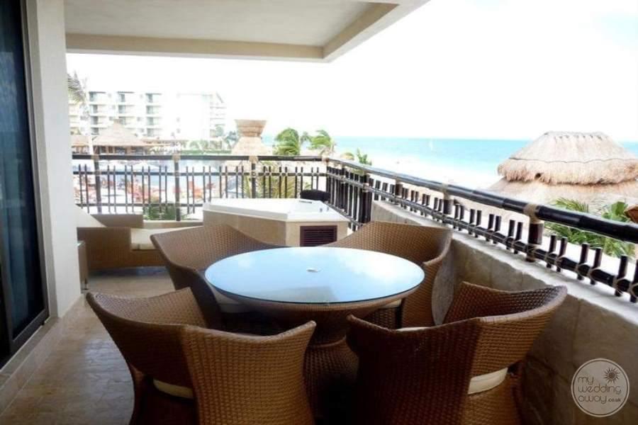 Dreams Riviera Cancun Preferred Club Honeymoon Suite