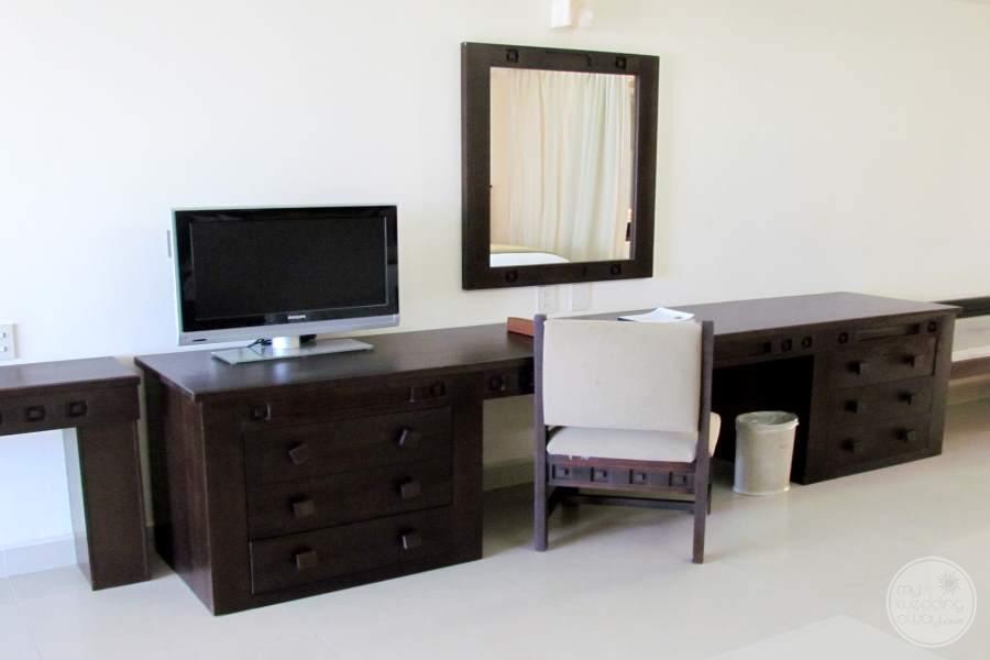 Dreams Villa Magna Desk