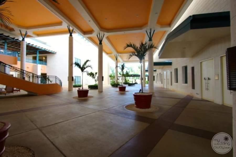Hilton Barbados Grounds