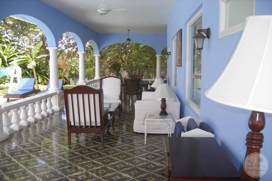 Jamaica Inn Covered Seating