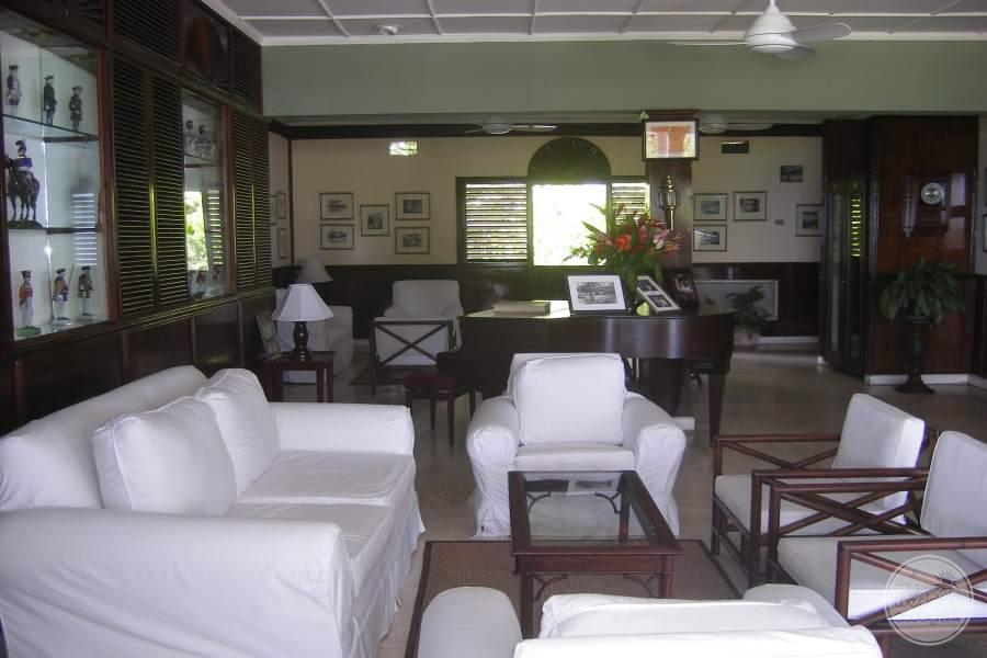 Jamaica Inn Lounge Area