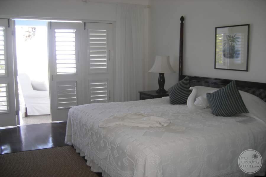 Jamaica Inn Room Bed