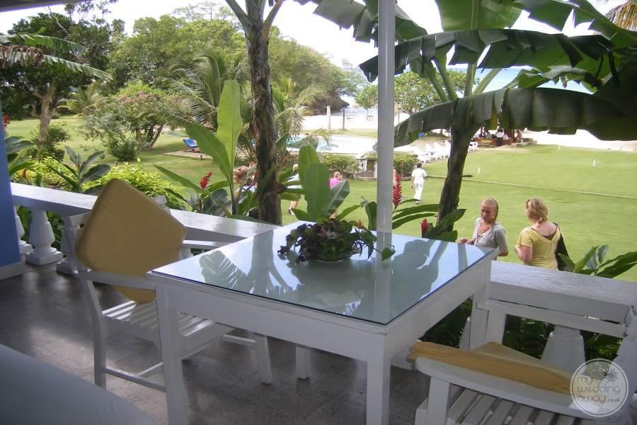 Jamaica Inn Room Dining Table
