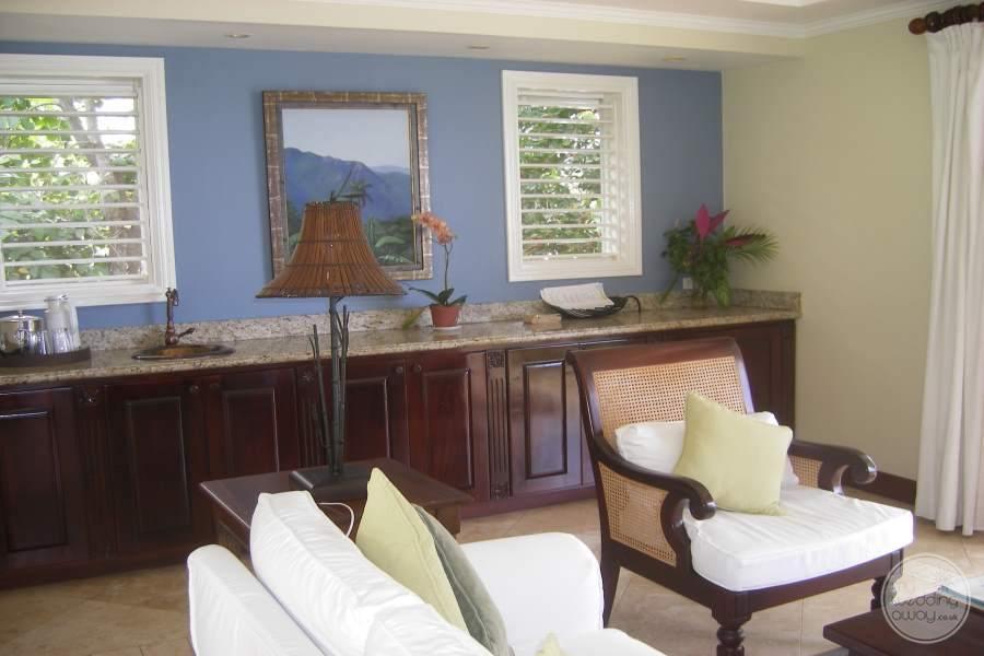 Jamaica Inn Seating 2