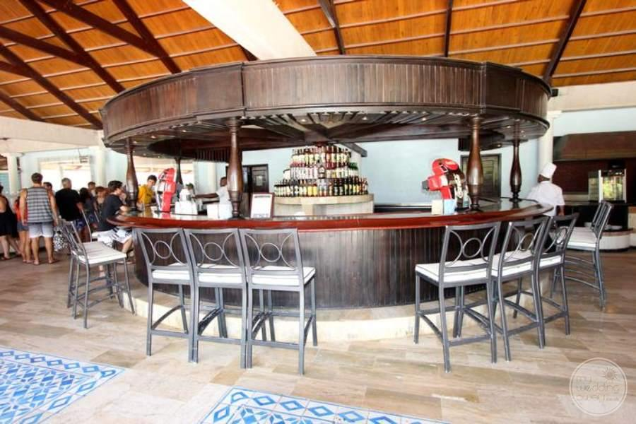 Melia Caribe Tropical Lobby Bar 2