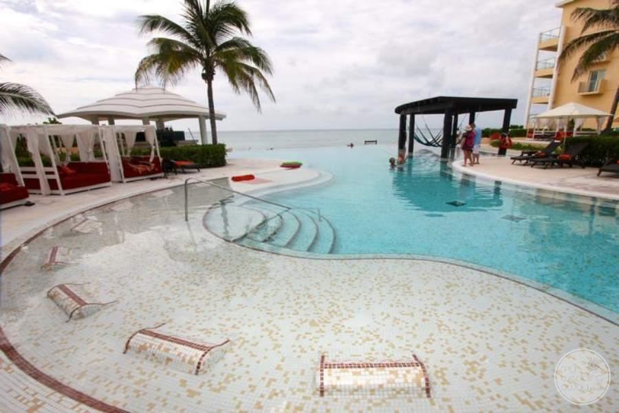 Now Jade Pool Lounge