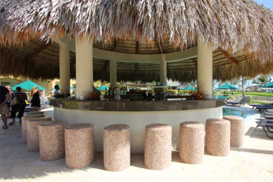 Main outdoor bar area with stones tools and premium upgrade of drinks