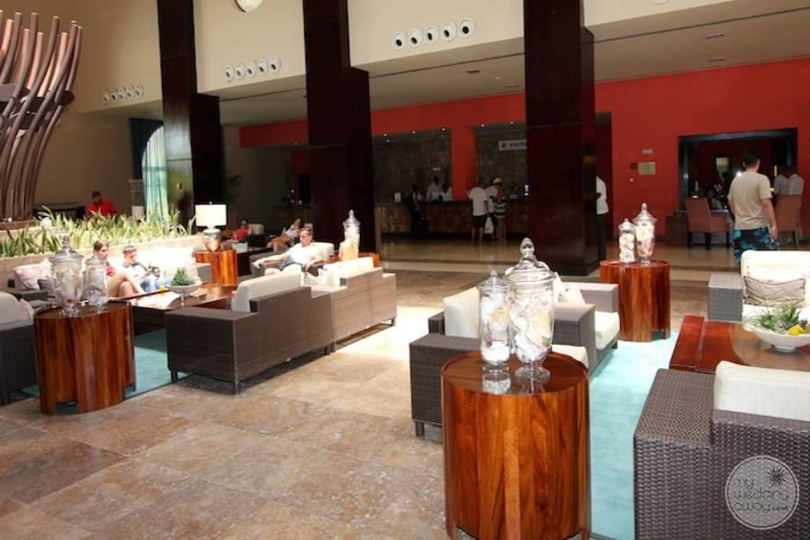 Now Larimar Dining 2