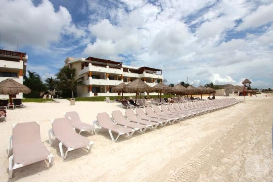 Now Sapphire Beach Lounge