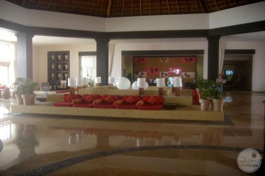 Ocean Coral and Turquesa Main Lobby