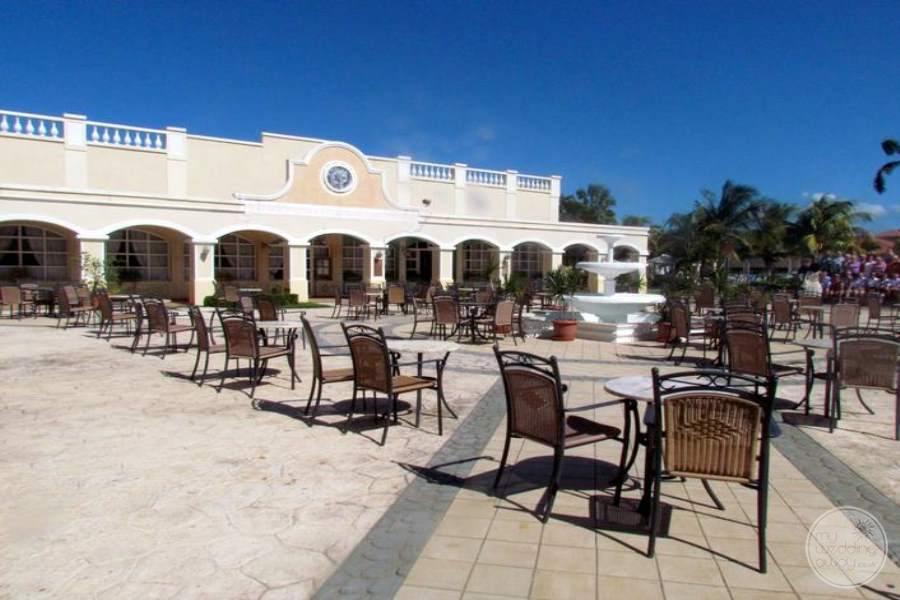 Paradisus Princesa Del Mar Courtyard