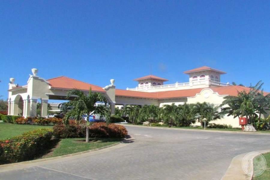 Paradisus Princesa Del Mar Entrance