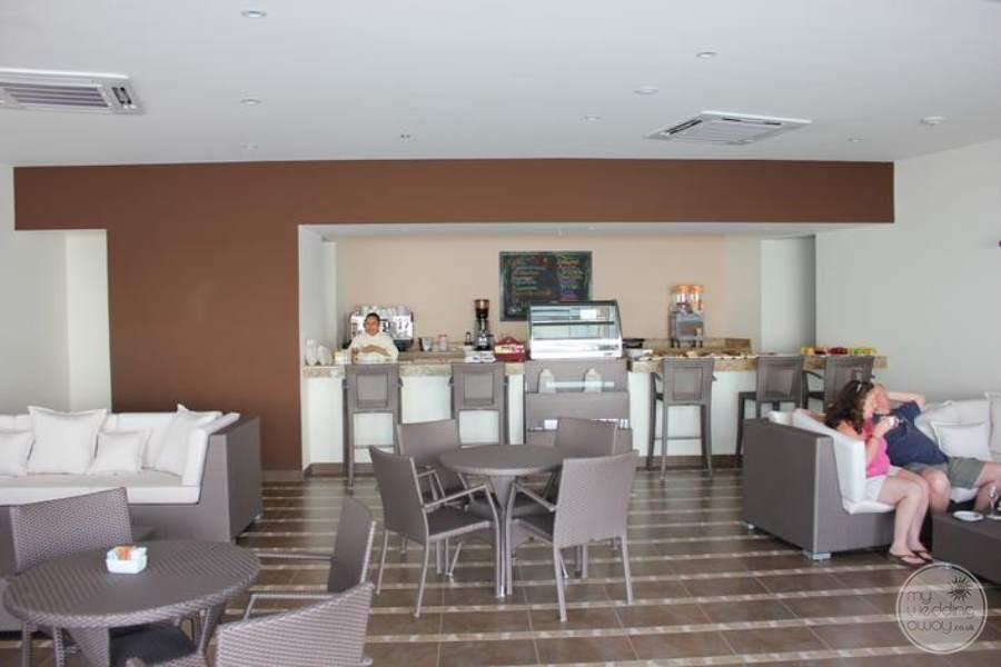 Secrets Huatulco Coffee Bar