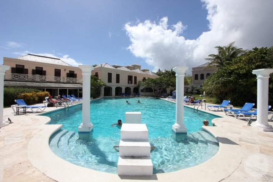 The-Crane-Resort-Villas-Pool