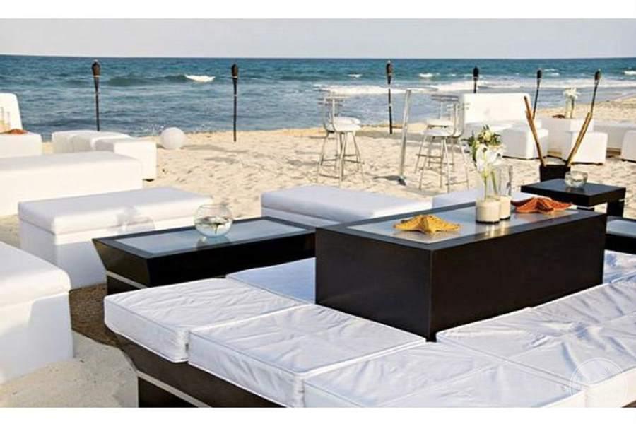 Valentine Imperial Maya Beach Lounge
