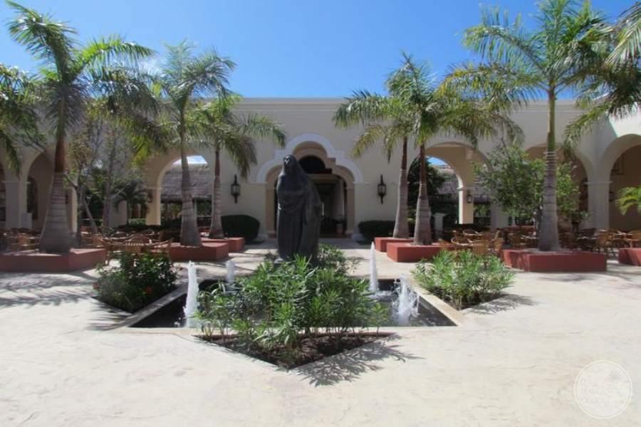 Valentine Imperial Maya Courtyard