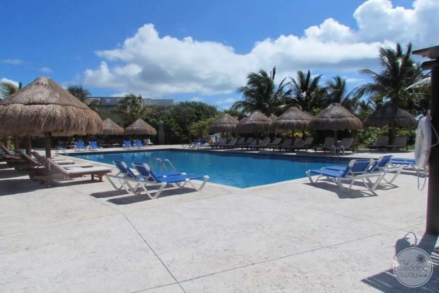 Valentine Imperial Maya Lap Pool