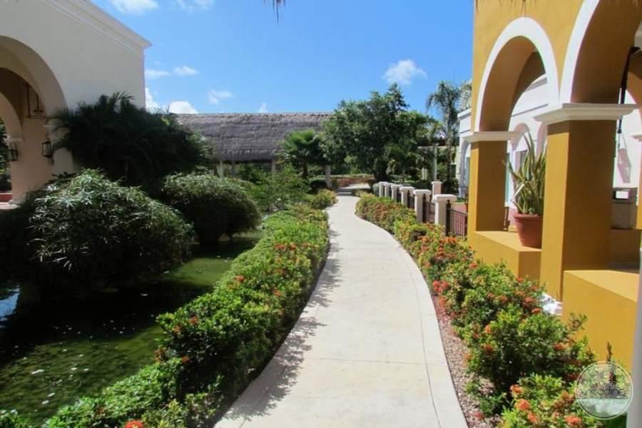 Valentine Imperial Maya Walkway