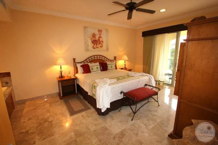 Villa del Palmar Flamingos King Bed