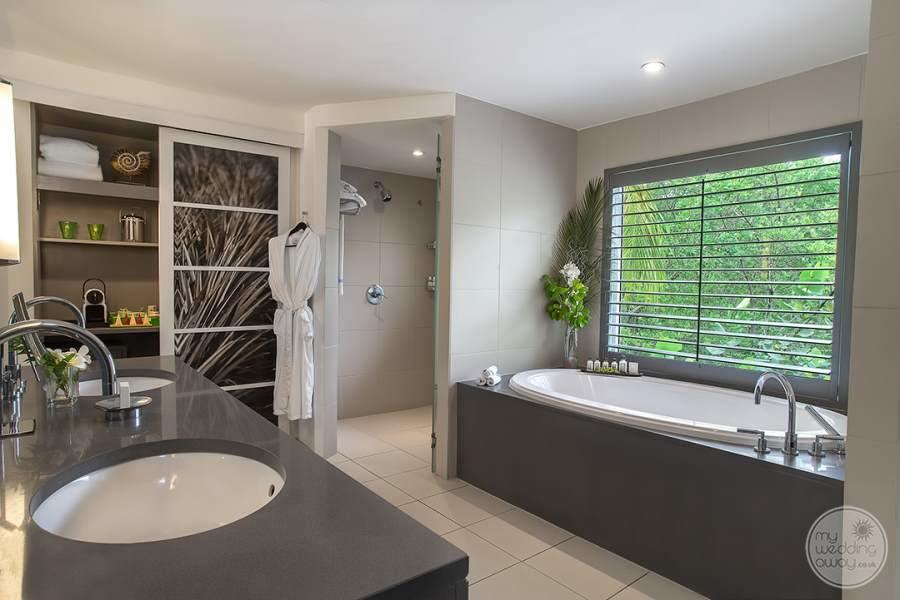 Ocean Suite Bath