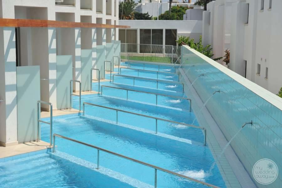 Swim-out Rooms