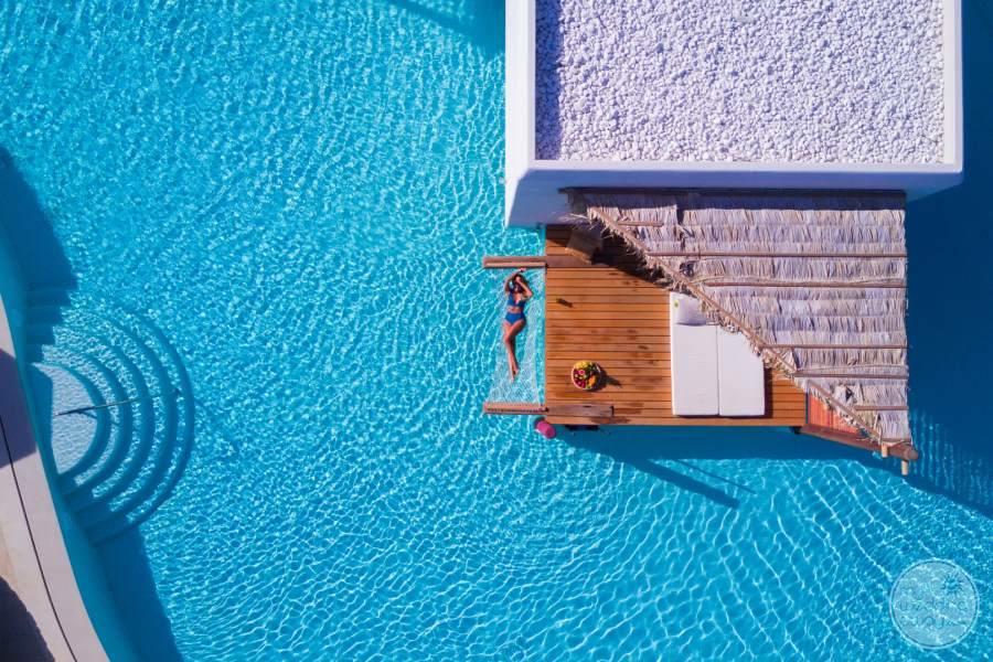 Stella Island Pool Hamock