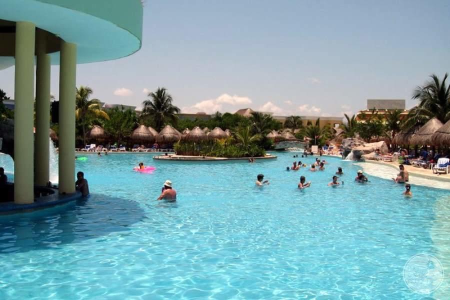 Iberostar Grand Hotel Paraiso Main Pool Swimup Bar