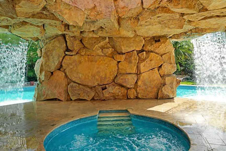 Iberostar Paraiso Del Mar Grotto