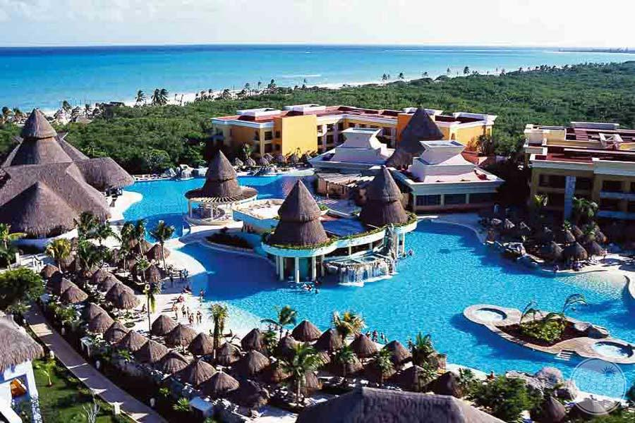 Iberostar Paraiso Lindo Resort Overview