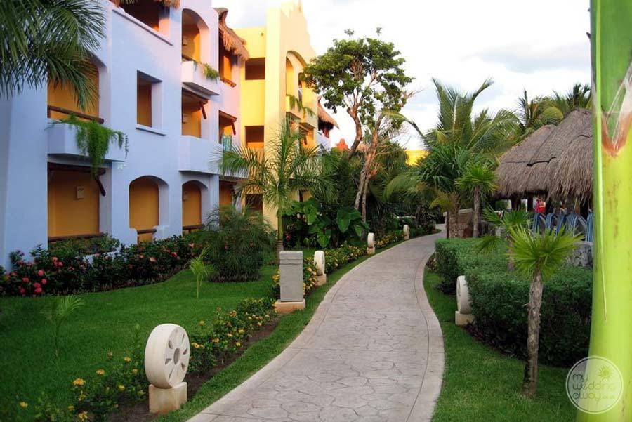 Iberostar Paraiso Maya Walkway