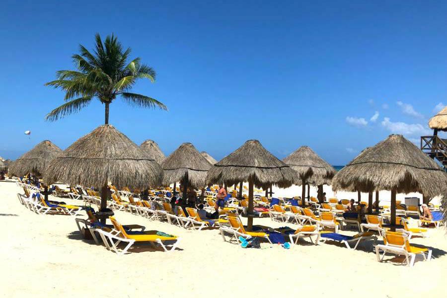 Iberostar Quetzal Beach Loungers