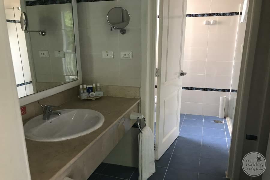Iberostar Tainos Bath