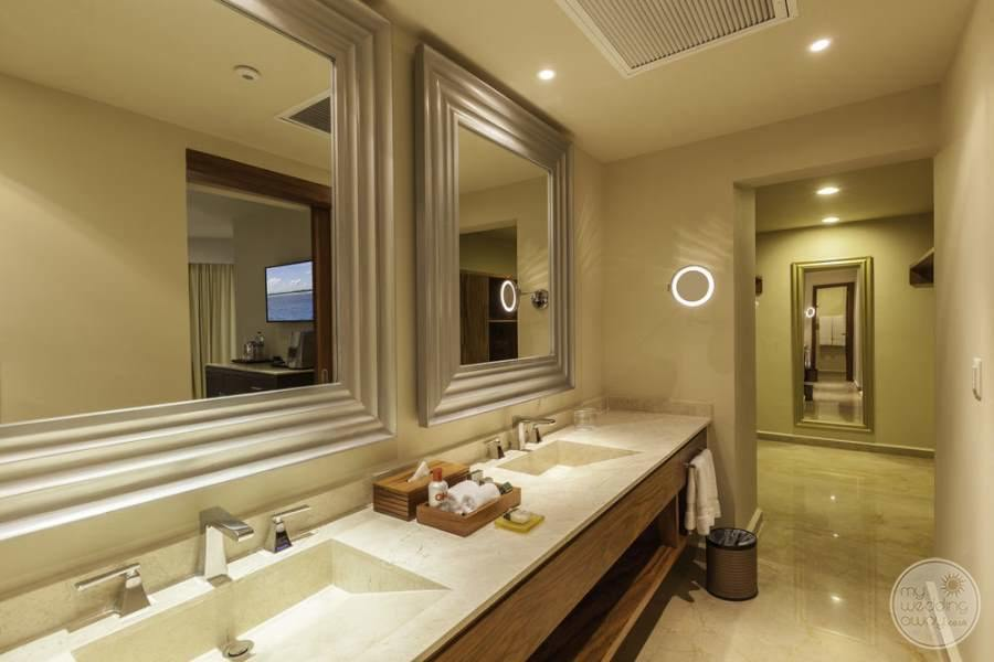 Moon Palace Luxury Bath