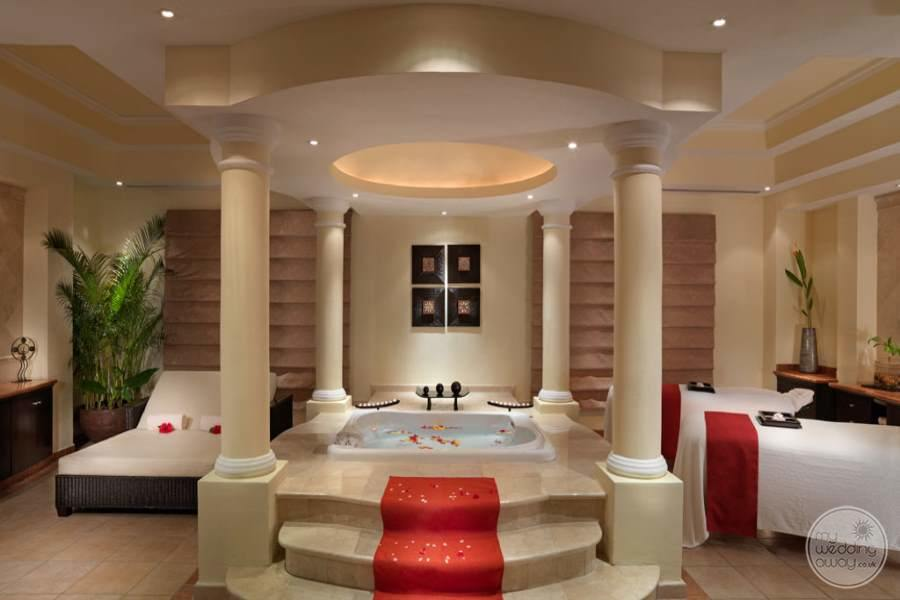 Moon Palace Spa Jacuzzi