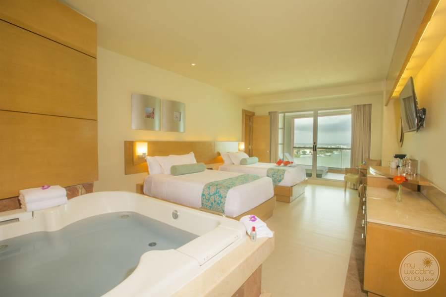 Beach Palace Double Room with Jacuzzi