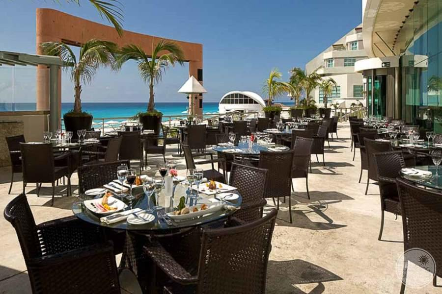 Beach Palace Outdoor Dining