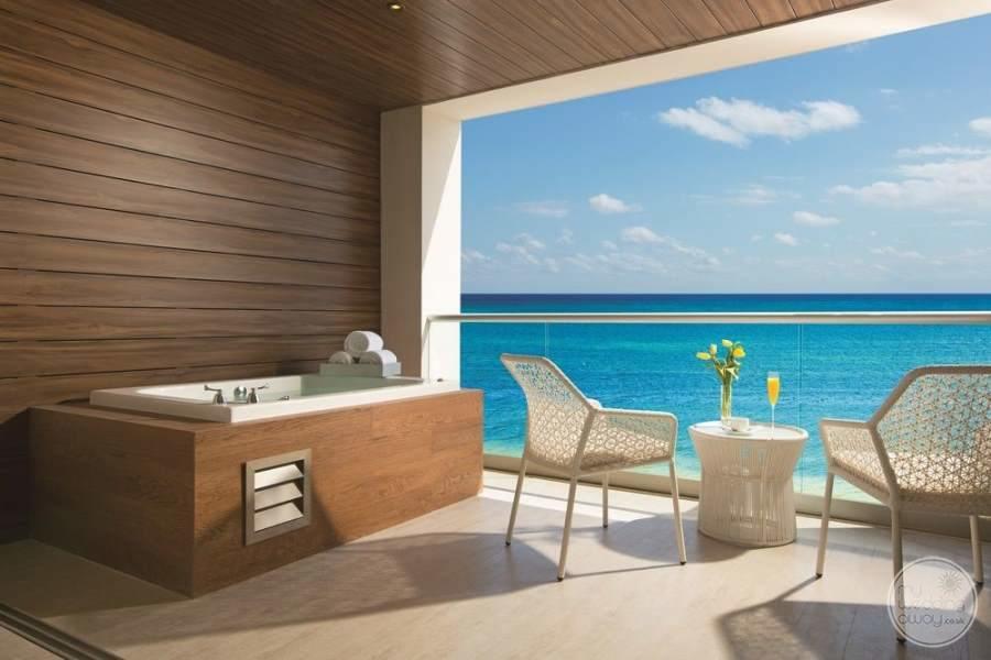 Breathless Riviera Cancun Private Jacuzzi