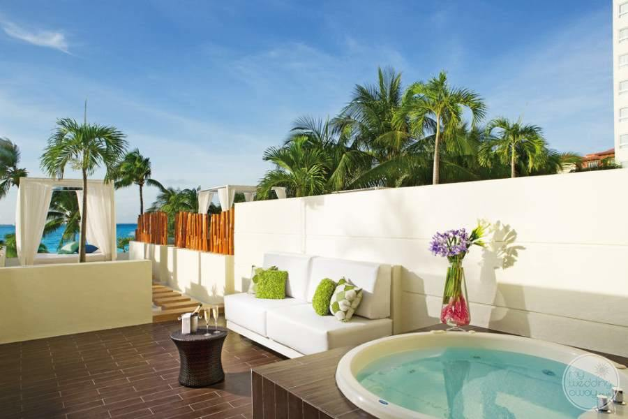 Dreams Sands Cancun Outdoor Jacuzzi