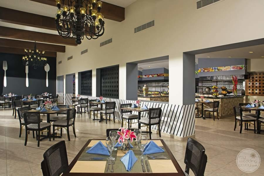 Dreams Sands Cancun Restaurant