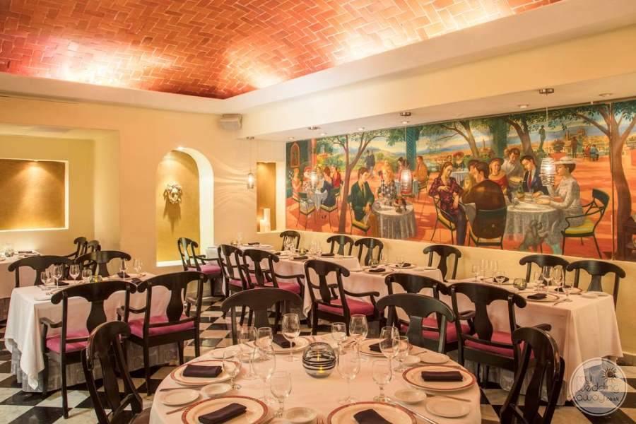 Fiesta Americana Condesa Cancun Dining Area